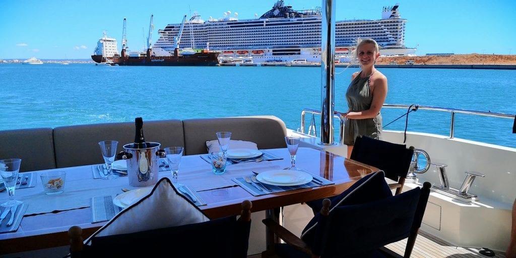 Yachtclub Club de Mar Mallorca. 360° Shooting mit Kreuzfahrtschiff im Hintergrund